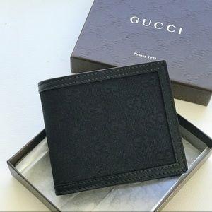 NIB Authentic Gucci GG Fabric Bifold Wallet